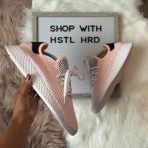Adidas Deerupt Sneakers